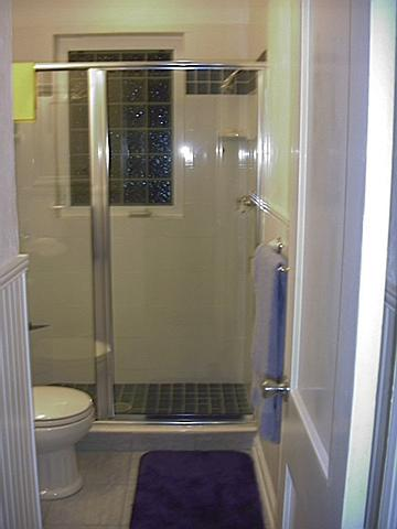 bathroom_glassdoor_1231838282_o